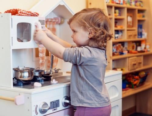 Te kolory kuchni dla dzieci będą dobrze grać z wystrojem każdego mieszkania