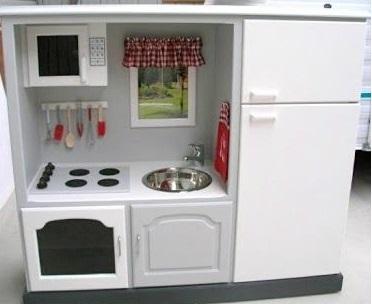 diy4homeideas.com-2013-08-homemade-play-kitchen