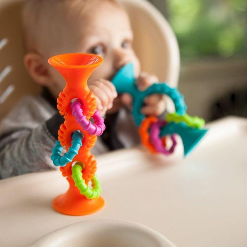 Zabawki dla niemowlaka – jakie warto kupić?